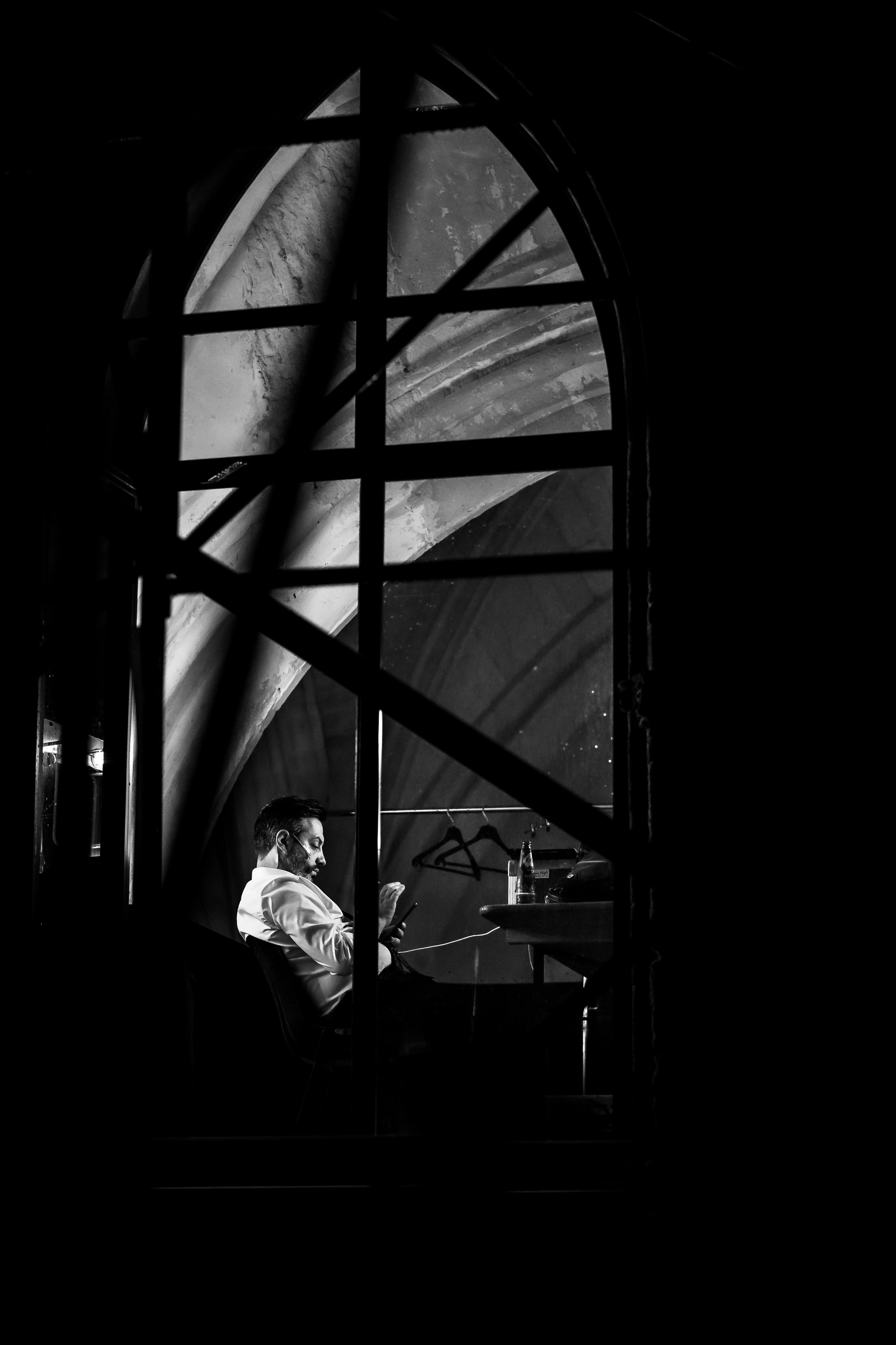 Fabrice Murgia est présent avec son dernier spectacle, «La Dernière nuit du monde», écrit avec Laurent Gaudé ©️ J. Van Belle - WBI