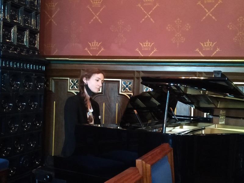Le Train des mémoires, La pianiste Anja Guja (c) Université Jagellonne