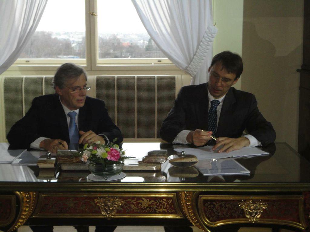 Séance de signature : Philippe Suinen et Jaroslav Kurfürst