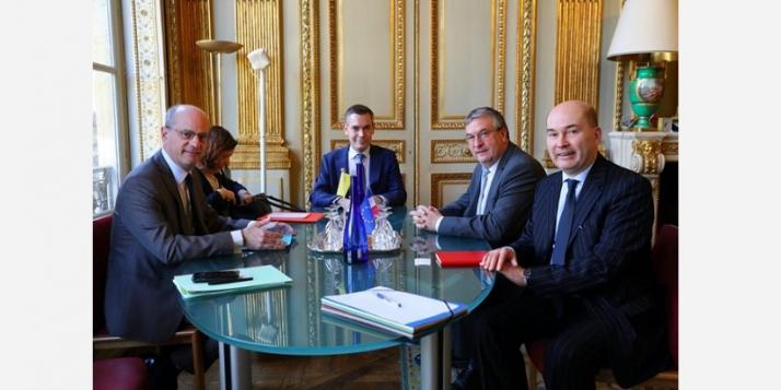 Avec Jean-Michel Blanquer, Ministre de l'Éducation nationale et de la Jeunesse (c) DR