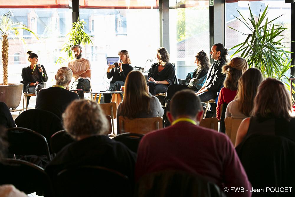 La rencontre avec les artistes des work in progress animée par Sylvia Botella (c) Jean Poucet - FWB