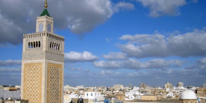 Vue panoramique sur la mosquée Zitouna à Tunis - cliquer pour agrandir