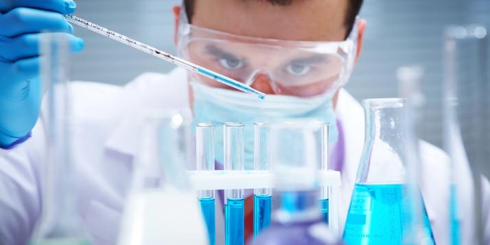 Recherches en laboratoire - cliquer pour agrandir