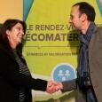 Claire Sirois, directrice du Créneau Écoconstruction, et Hervé-Jacques Poskin, directeur du Cluster Éco-Construction de Wallonie, lors de la signature de l'entente de partenariat, qui a eu lieu dans le cadre du Rendez-vous des écomatériaux d'Asbestos - cliquer pour agrandir