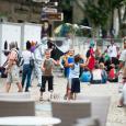 AMbiance de rue durant le festival - cliquer pour agrandir