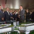 Présentation de la maquette lors d'une mission en Chine avec le Roi Philippe, le Ministre De Crem, le Ministre-Président Magnette, le Ministre Reynders et Vincent Blondel, recteur de l'UCL - cliquer pour agrandir