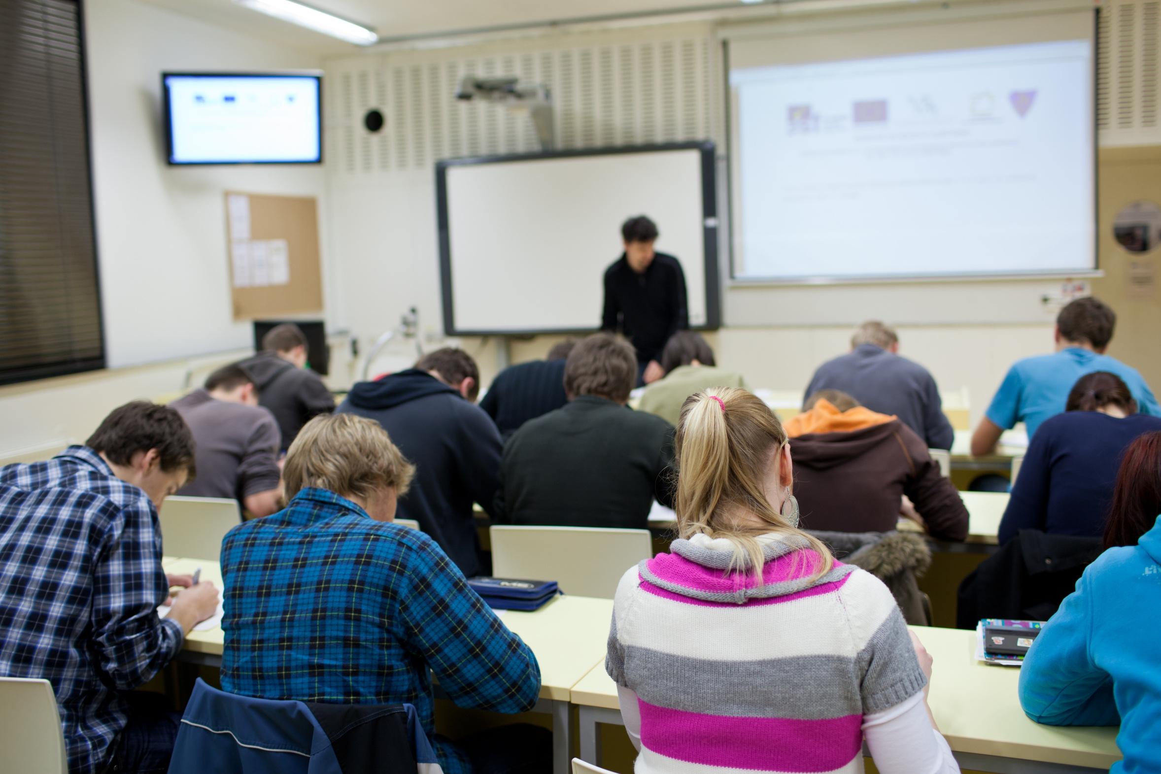 Salon europ en de recrutement tudiants study in europe for Salon emploi nord