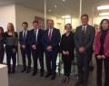 Le Ministre-Président, Willy Borsus, accompagné de M. David Royaux, Délégué général Wallonie-Bruxelles à Genève, M. Philippe Delcourt, Conseiller économique et commercial de l'AWEX, et M. Vassil Kolarov, Conseiller scientifique et technologique à la Délégation générale Wallonie-Bruxelles, parmi d'autres membres de la Délégation et de l'AWEX